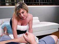 Ardent blowlerina Dee Williams is happy to treat her stud with a titjob